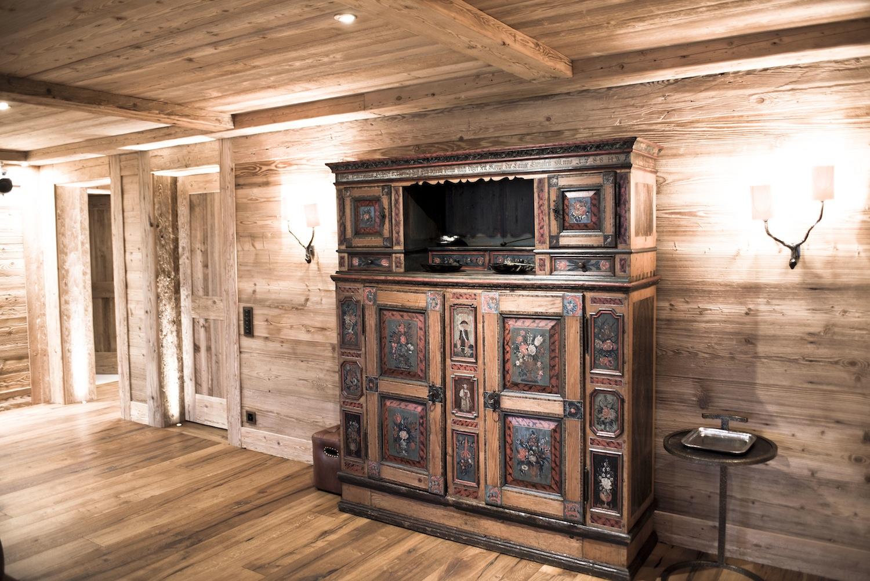 Une petite merveille en plein coeur des montagnes suisses for Hotel meuble suisse genova